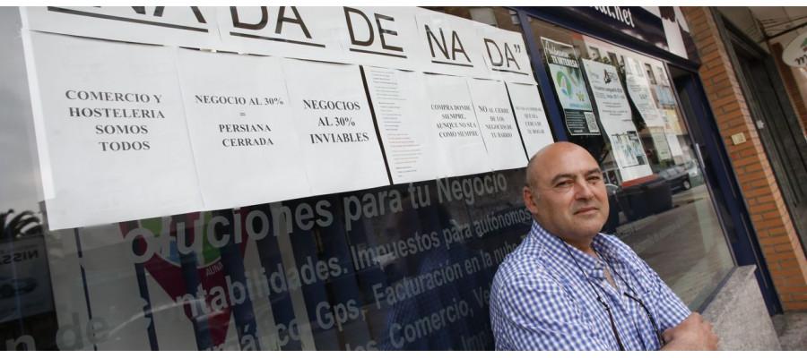 Un comerciante de La Calzada impulsa una web para digitalizar los negocios