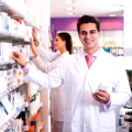 Farmacias, Industria farmacéutica